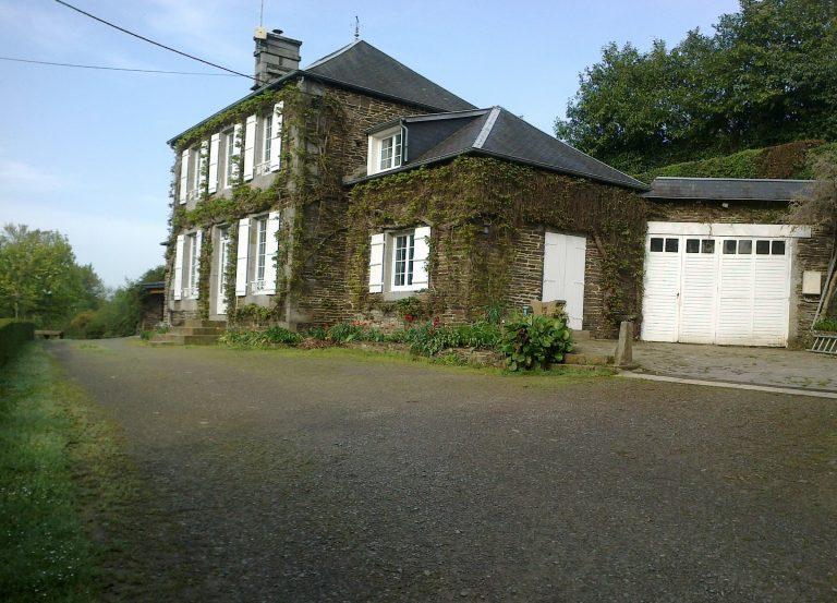jolie maison en pierre en Normandie
