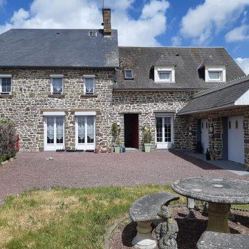 Maison de village normande